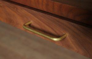 テーブル引出し真鍮取っ手の画像