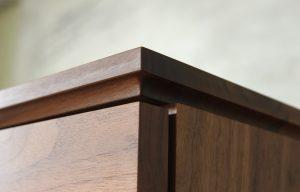 テレビボード木口のアップ画像