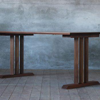 ダイニングテーブルの画像