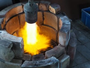 高岡銅器の工場見学