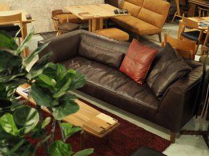 SOLID福岡家具の展示移動