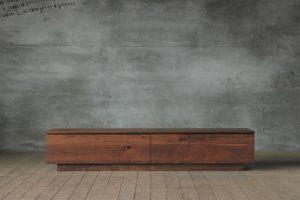SOLIDの家具