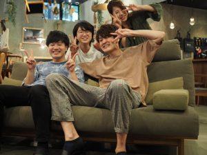 SOLID大阪店スタッフの集合写真
